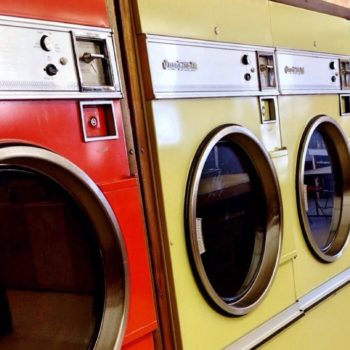how to do laundry on the road | laundromat