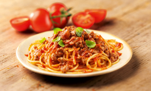 foods to try around the world - bolognaise