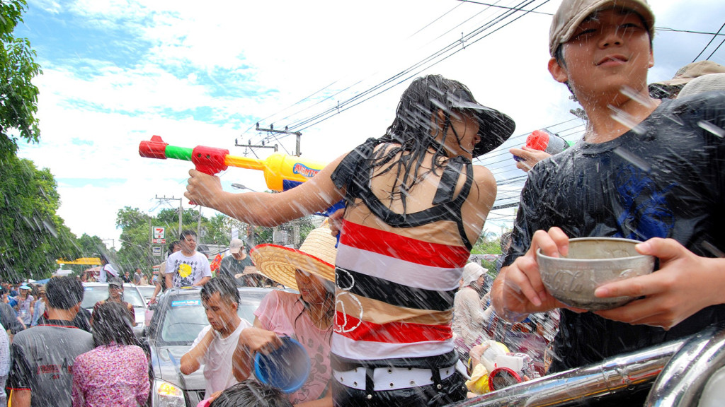Image of festival goes in a water fight at Songkran