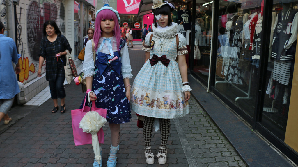 Image of two Harajuku girls in traditional dress