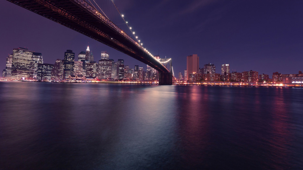 Image of the New York City skyline and Brooklyn Bridge