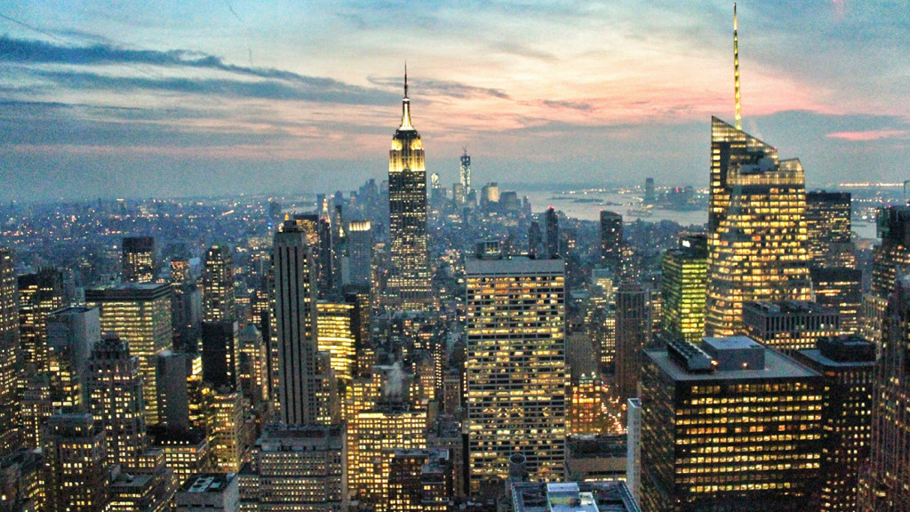 Image of the New York skyline from the top of the rock