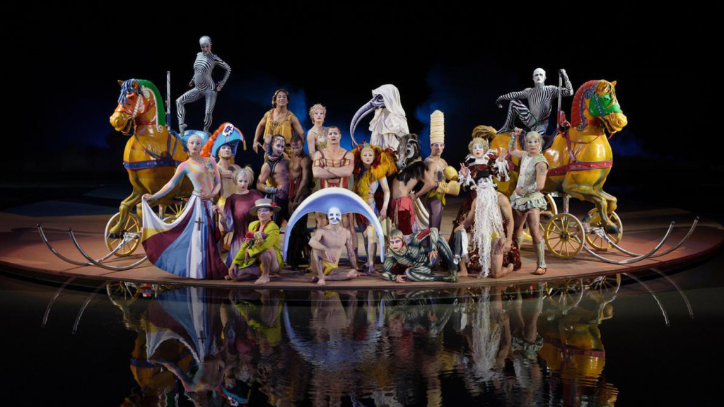 Image of the cast of Cirque De Soleil