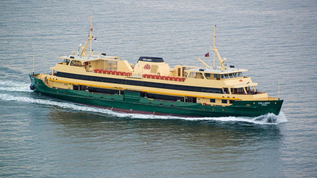 Things to do in Sydney - image of the Sydney ferry crossing the water to Manly