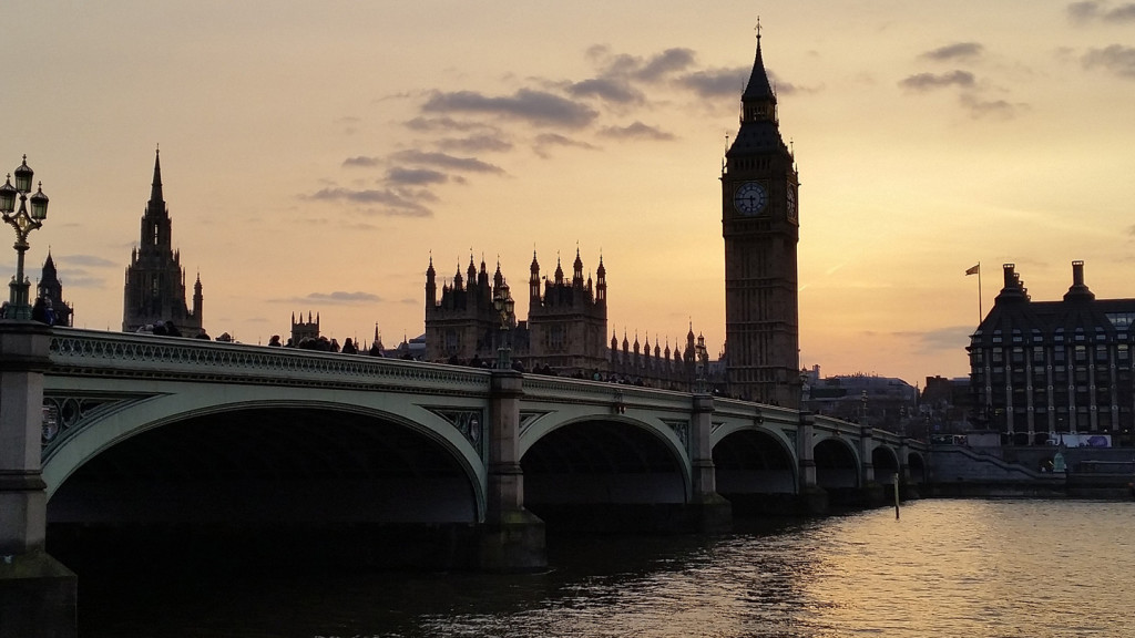 Image of Big Ben and the Houses of Parliament at sunset