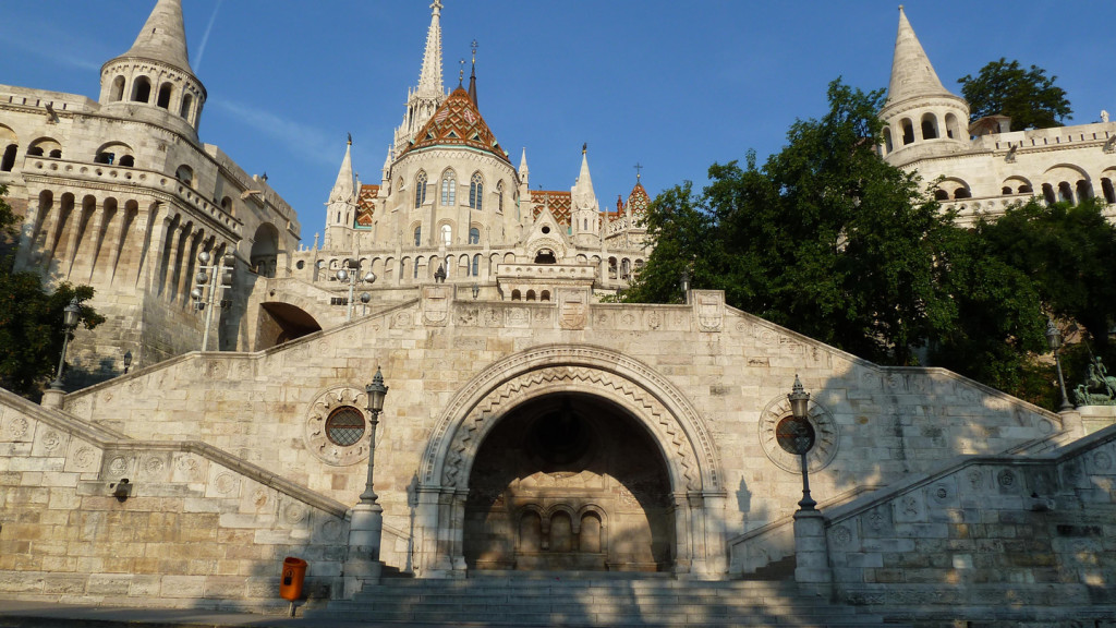 things to do in budapest - image of Fisherman's Bastion