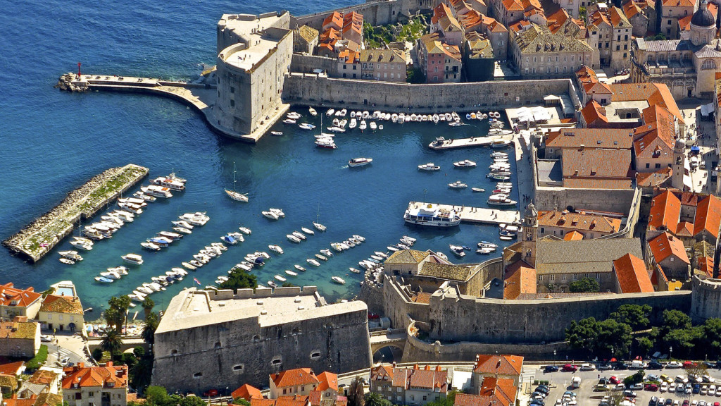 things to do in dubrovnik - aerial image of the city walls