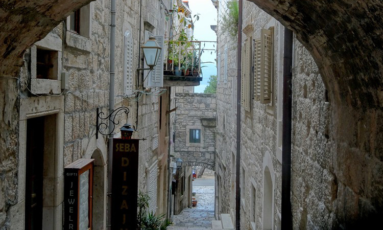 things to do in korcula - image of korcula old town