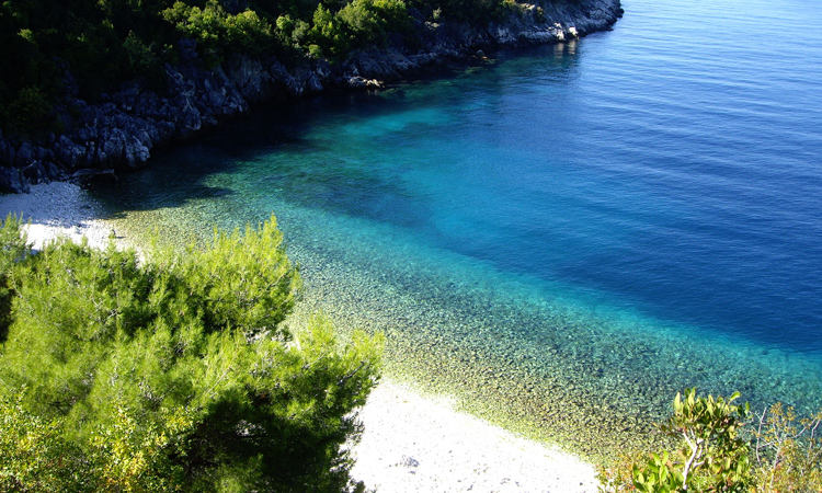 things to do in korcula - image of a beach in korcula