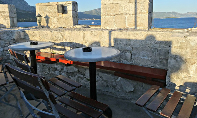 things to do in korcula - image of Massimo's cocktail bar