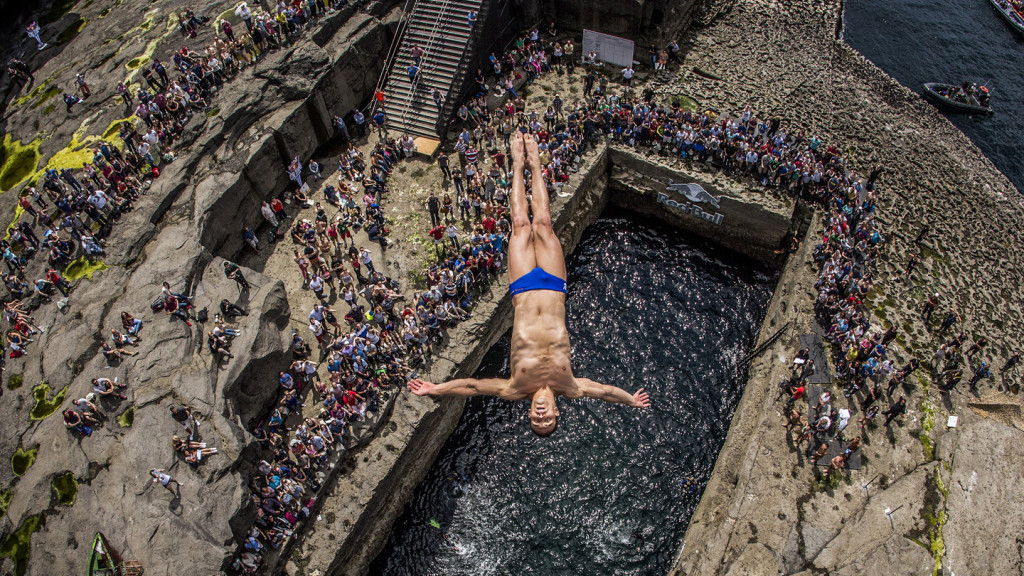 cliff diving - Serpent's Lair