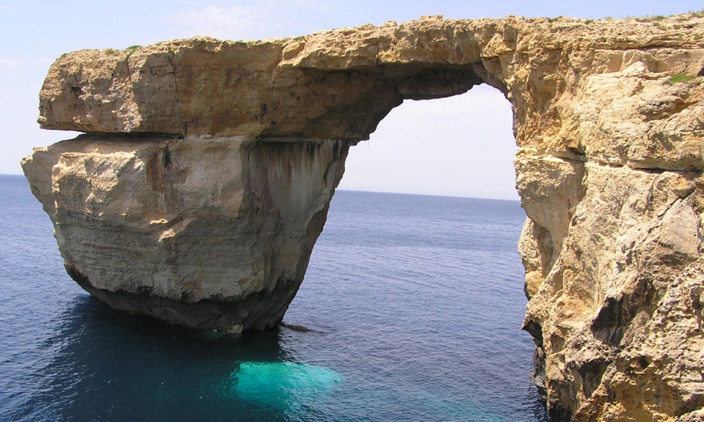 cliff diving - the Azure Window