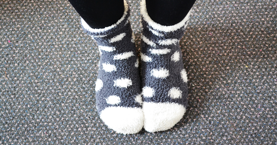 Christmas gifts for people who love to travel - image of fluffy socks