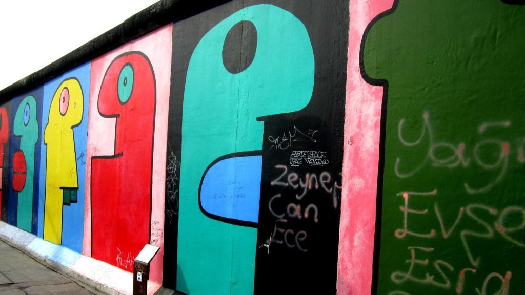 Berlin Street Art - Thierry Noir - Hommage to the Young Generation