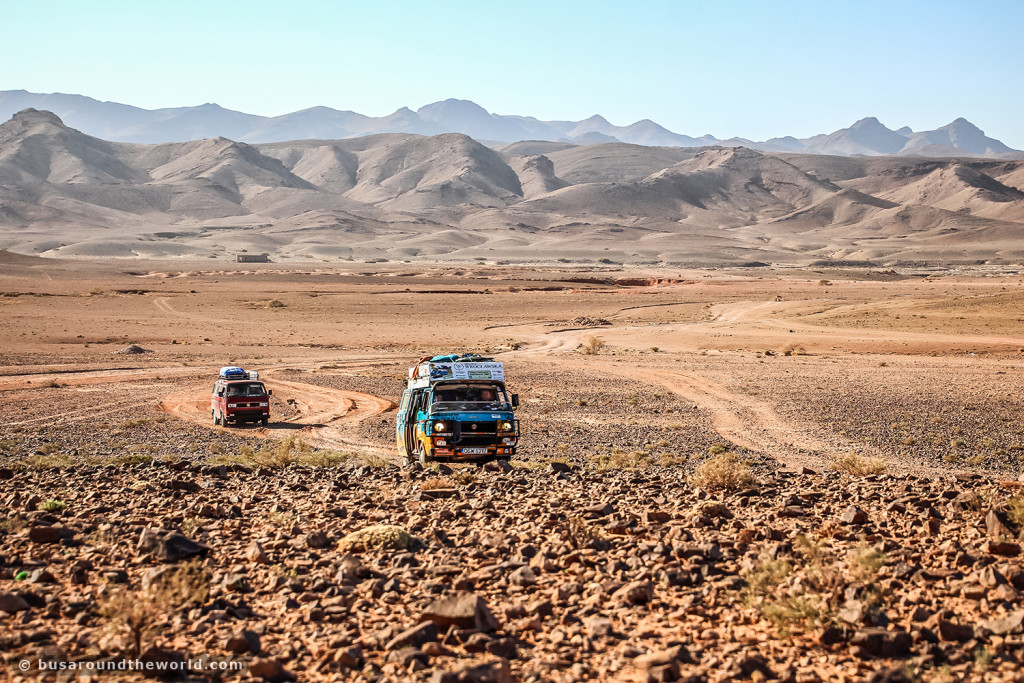 Around the world on a bus - driving through the desert