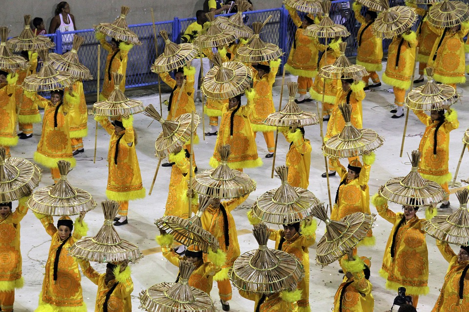 Rio Carnival - image of dancers in a parade
