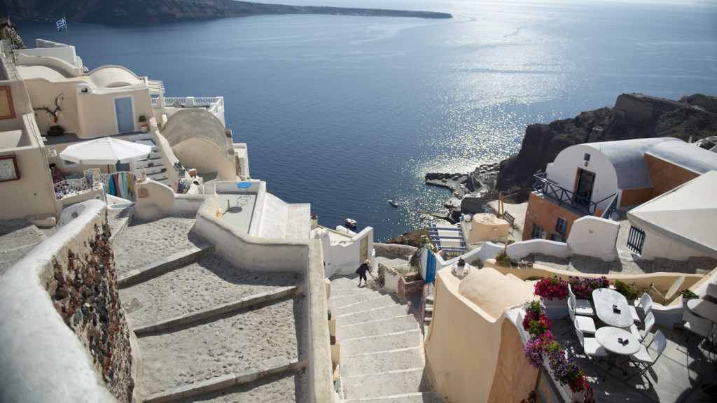 romantic travel destinations - image of a street in santorini
