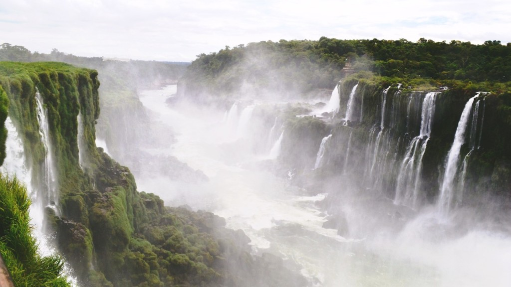 things to do in Latin America before you die - Iguazu Falls