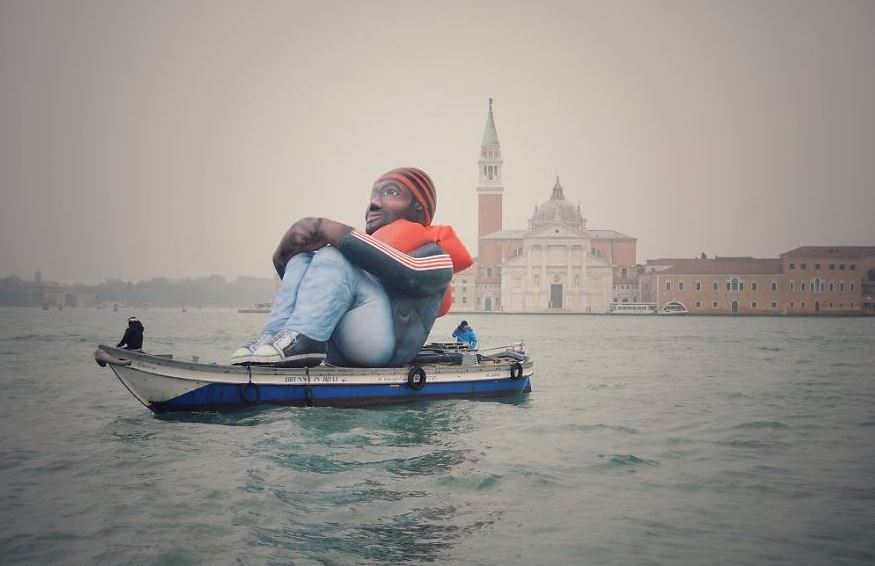 inflatable refugee