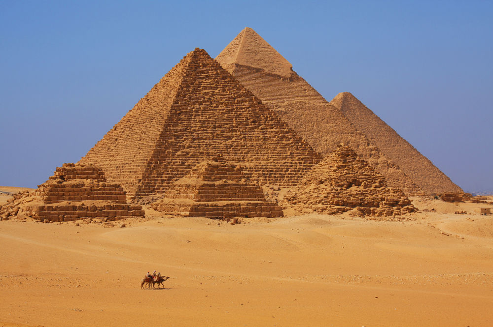 2017's best travel experiences - pyramids of giza