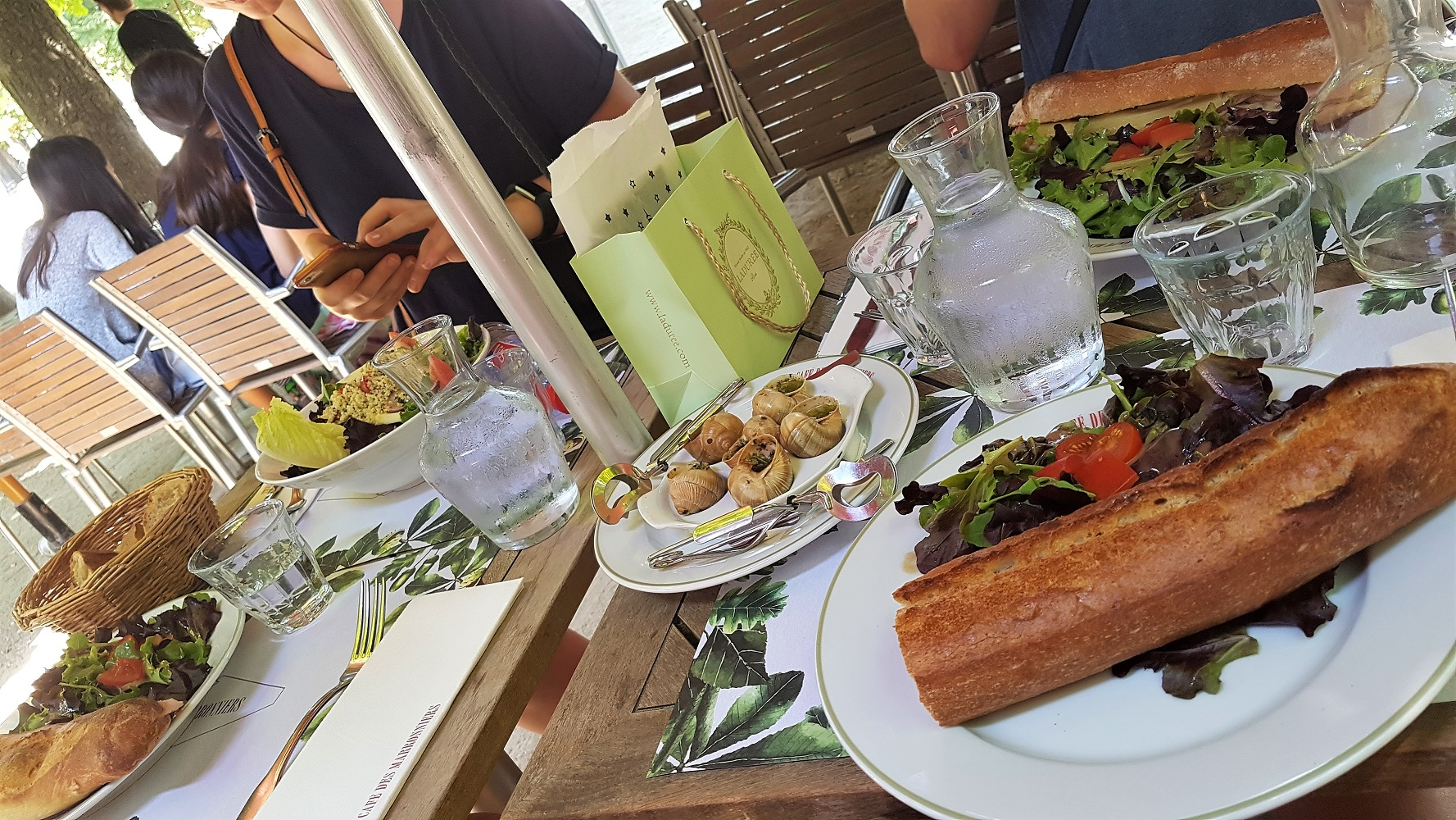 Lunching with snails Paris