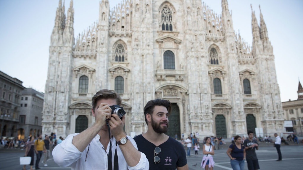 trip to italy - men taking pictures in florence