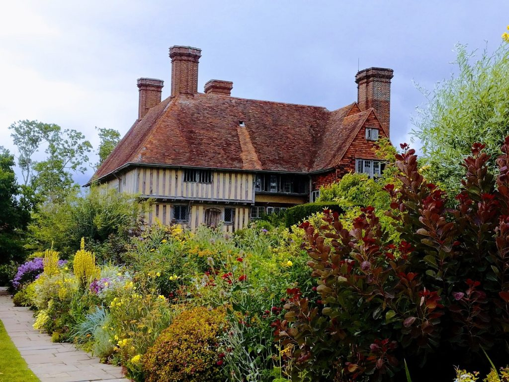 Places to visit in England - a tudor house in Rye