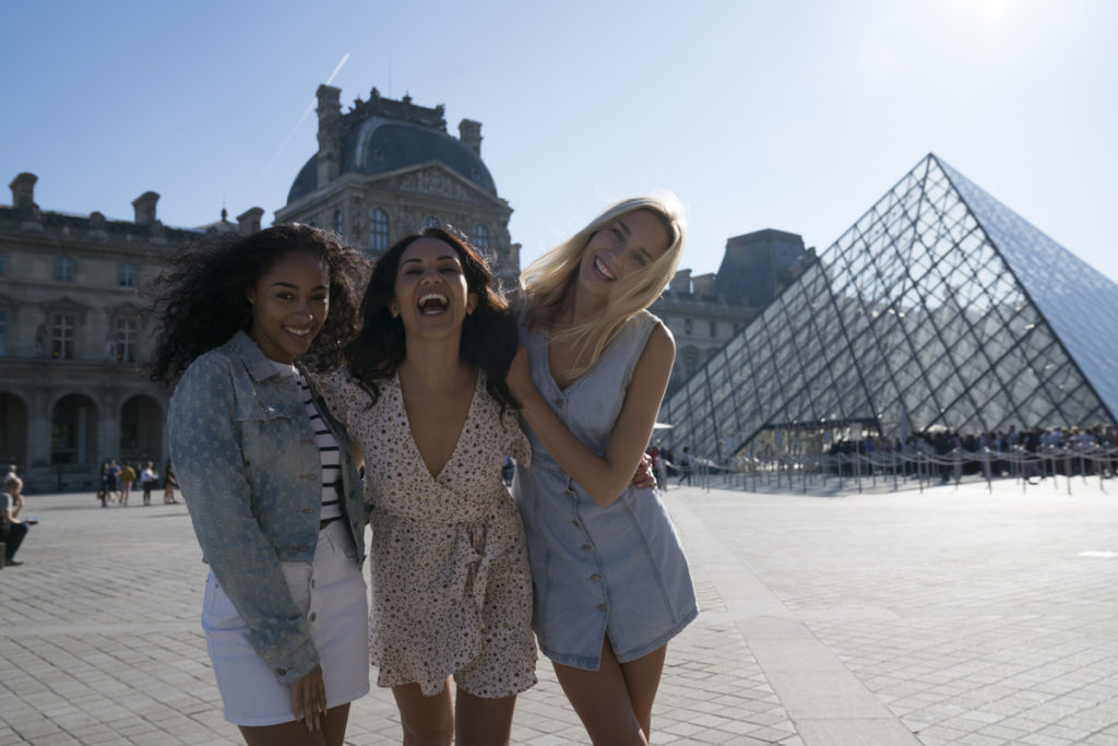 Girls at The Louvre Paris, for less than the iphone x