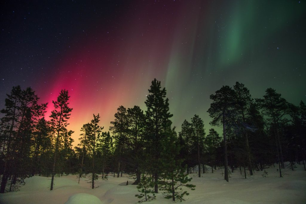 Northern lights red