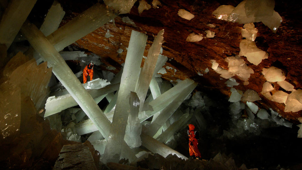 crystal-cave-mexico