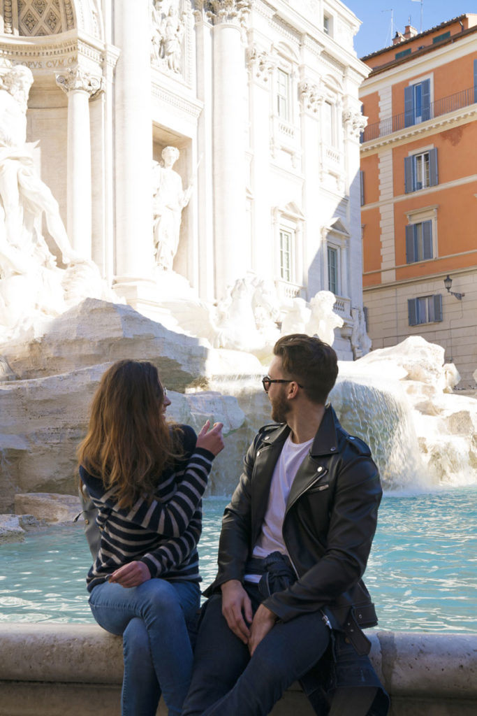 trevi-fountain-throwing-coins-in