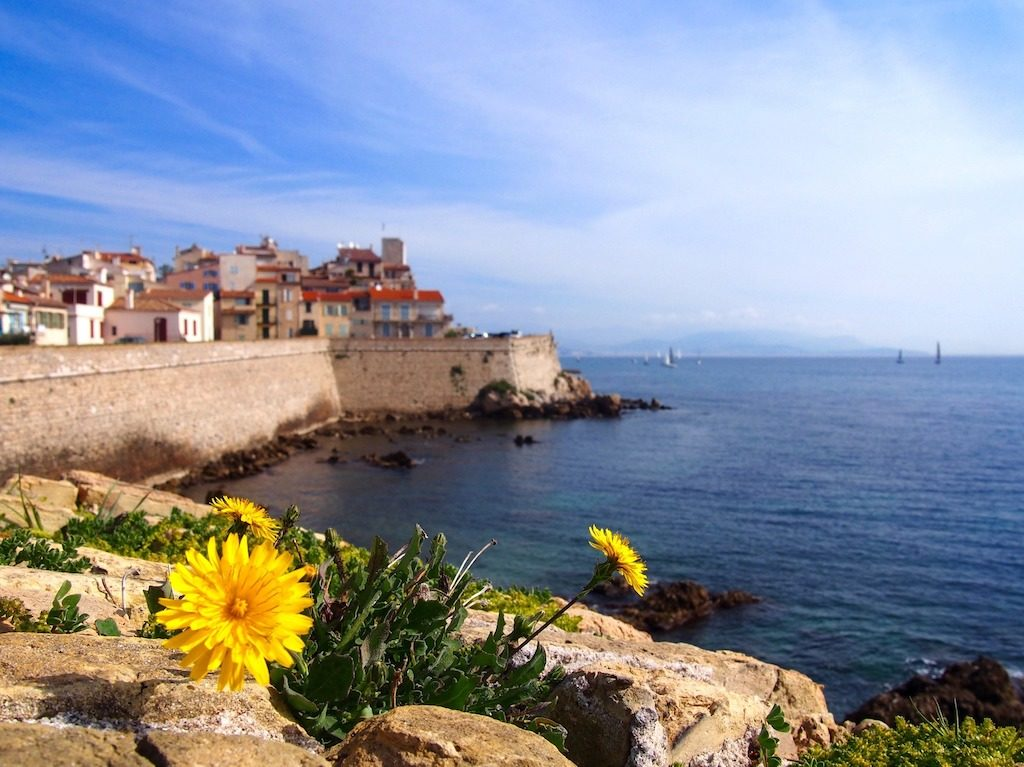 travel-destinations-Antibes-France