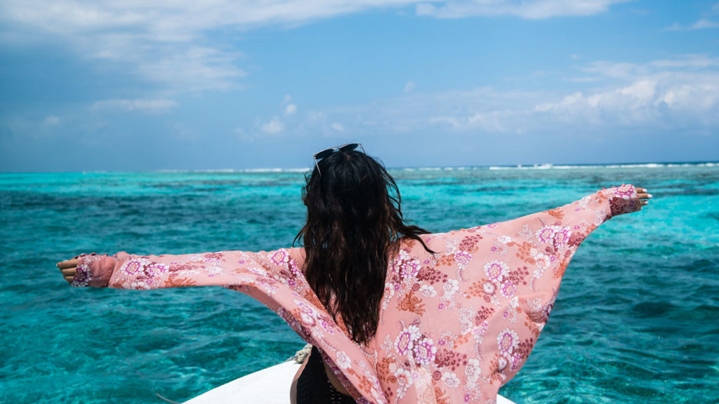 new-year-resolutions-caye-caulker-boat-contiki