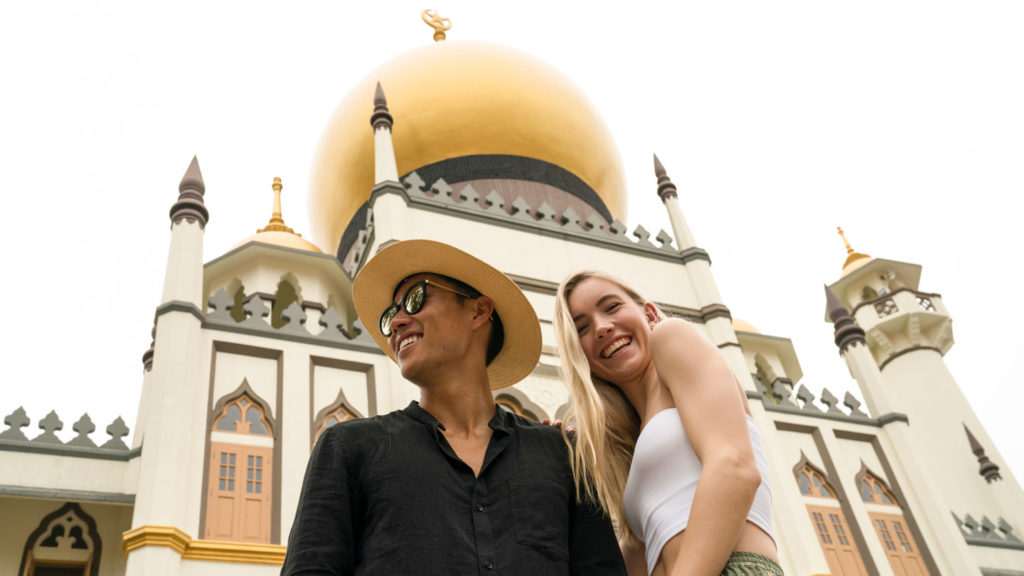 new-years-resolutions-couple-singapore-contiki