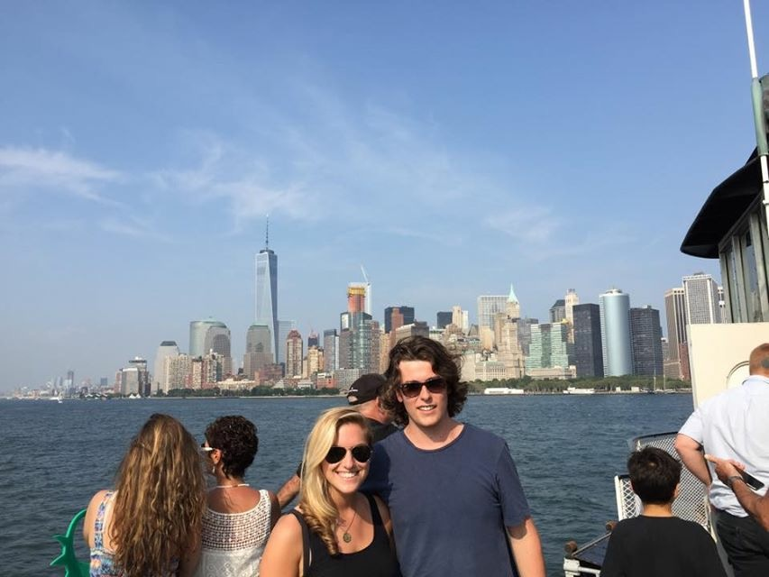 Couple-in-NYC-falling-in-love