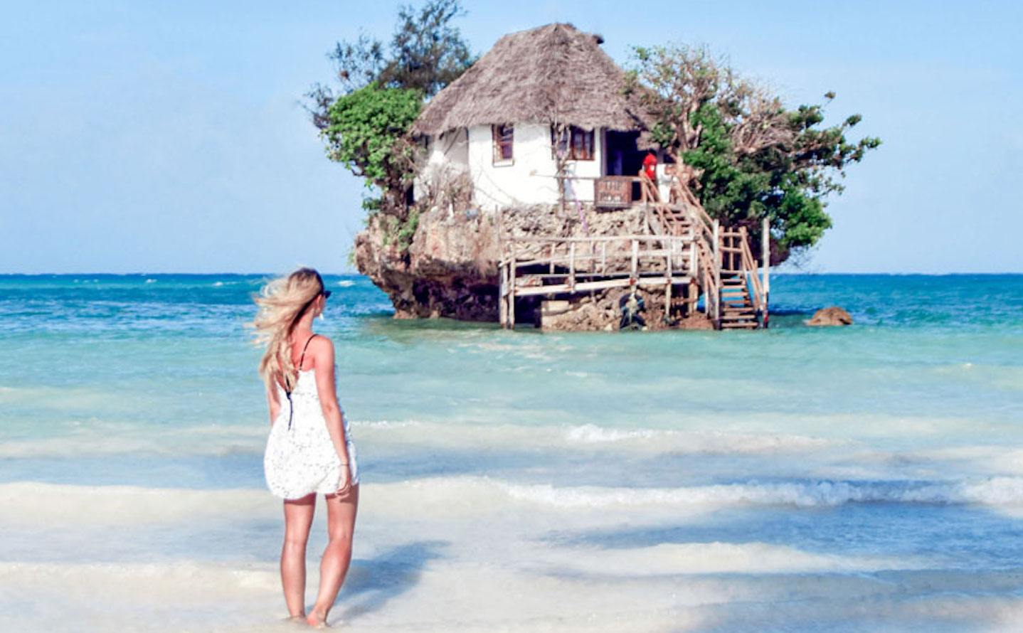This Rock Restaurant Zanzibar looks like it's run by Mother Nature herself