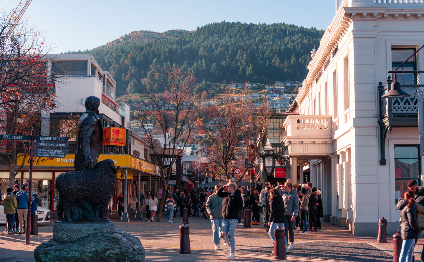 Best things to do in Queenstown, New Zealand   six-two by Contiki