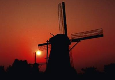 mill-network-at-kinderdijk-elshout