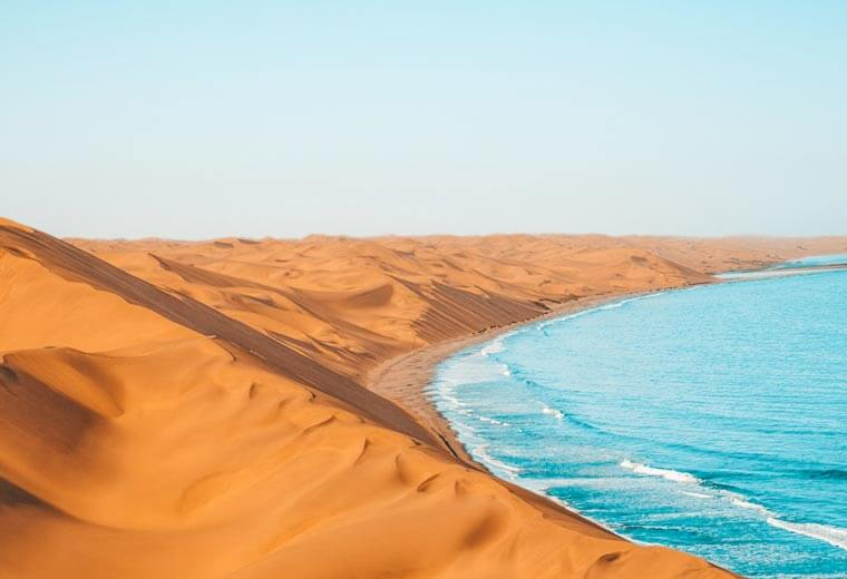 conitki-destinations-africa-middle-east-sand-dunes-sea