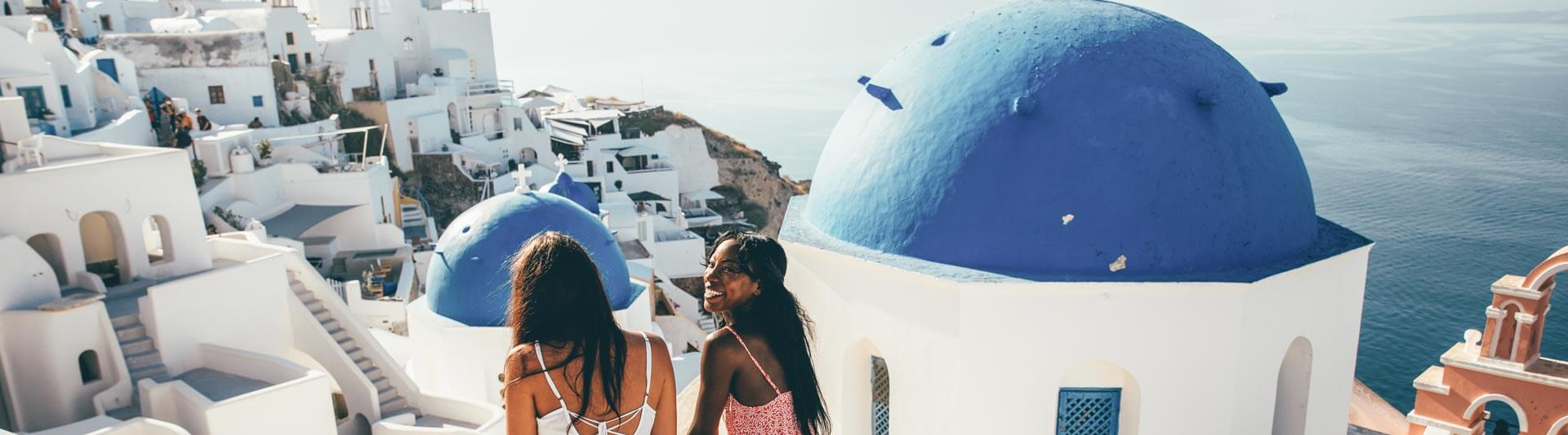 contiki-make-it-count-santorini-rooftops